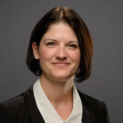 Lori Kantymir headshot