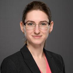 Jane Kouptsova headshot