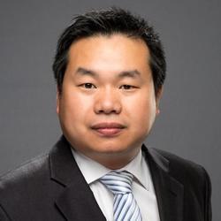 Alan Tang headshot