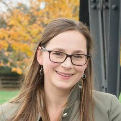 Rebecca Hoke headshot